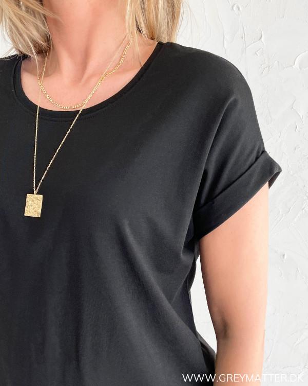 Sorte basis T-shirts til kvinder