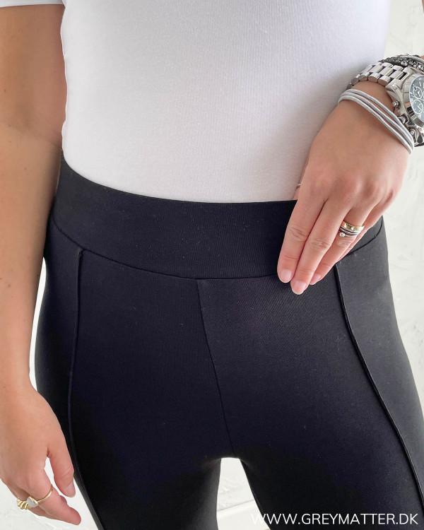 Sorte bukser med elastik kant foroven