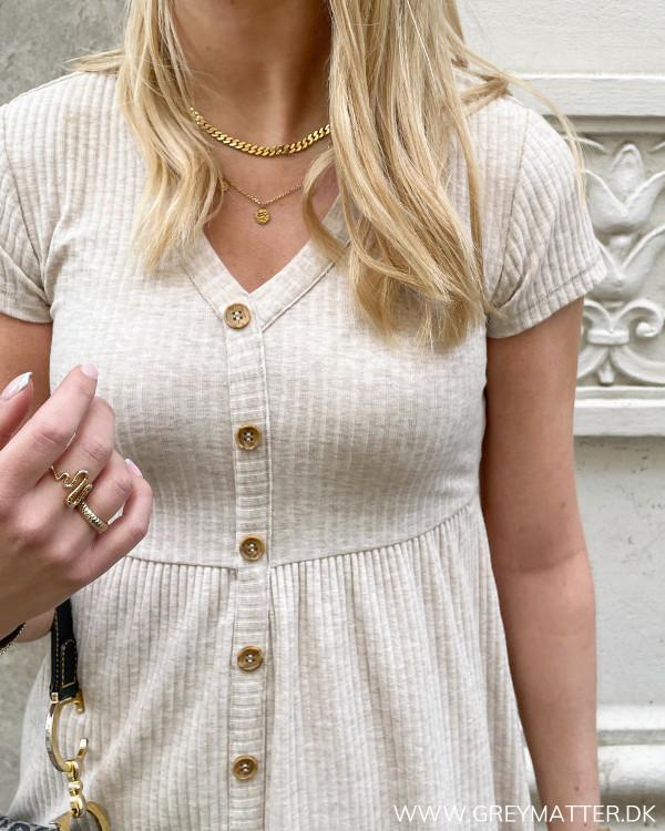 Kjole med knapper fra Only