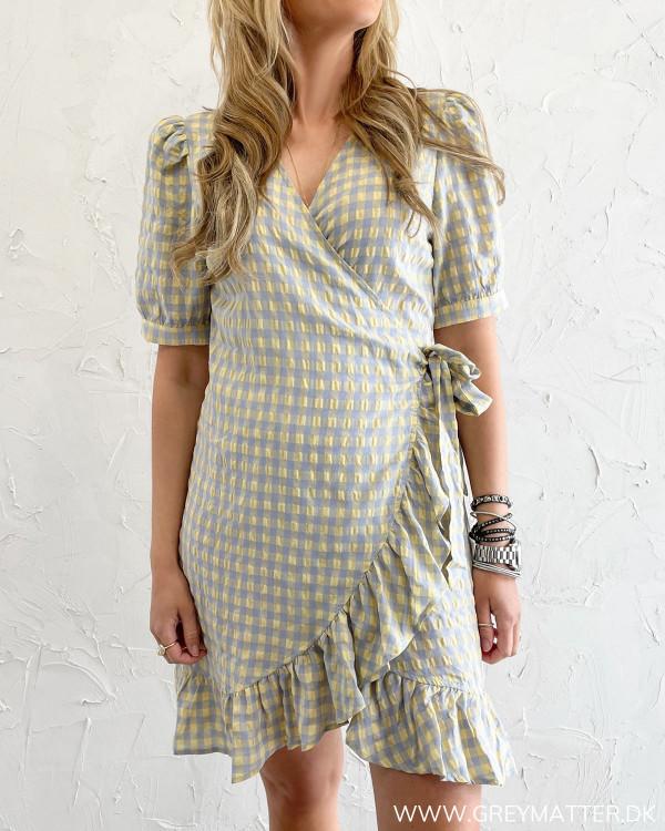 Ternet kjole fra Vila