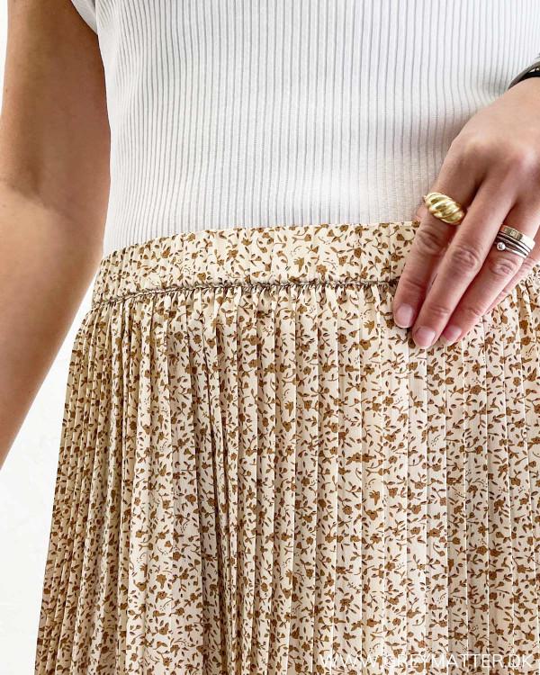Plisse nederdel fra Vila med elastik i taljen