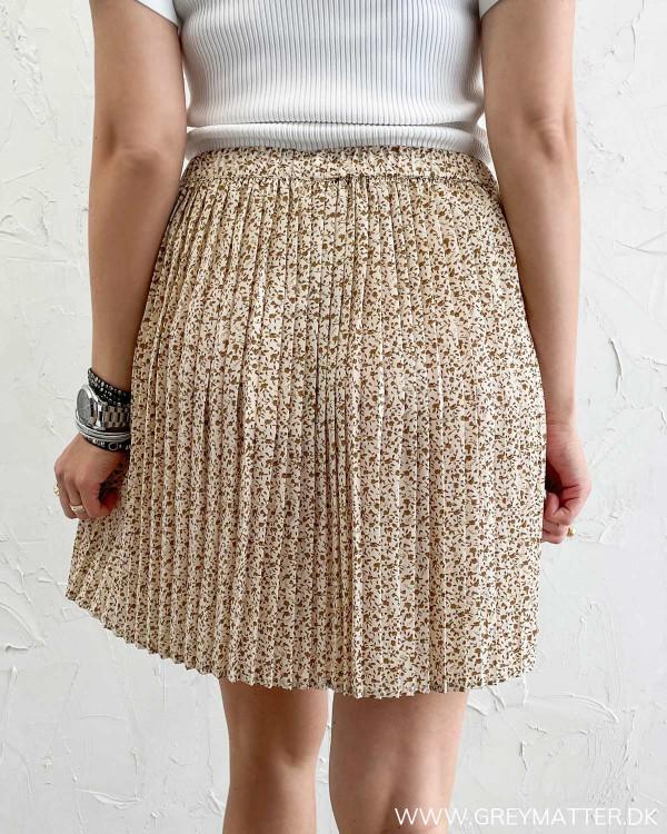 Plisse nederdel fra Vila set bagfra