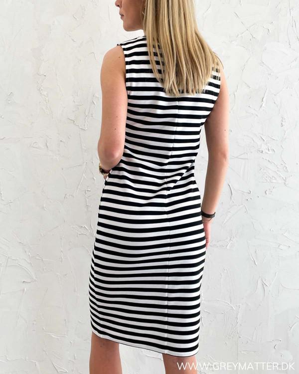 Sort hvid stribet kjole uden ærmer