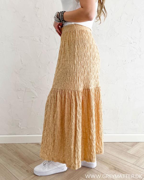 Lang nederdel fra Pieces med elastik kant