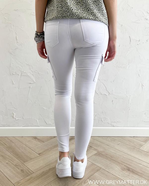 Hvide cargo bukser til damer