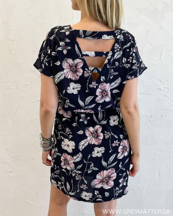 Smuk sommerkjole fra Only med print