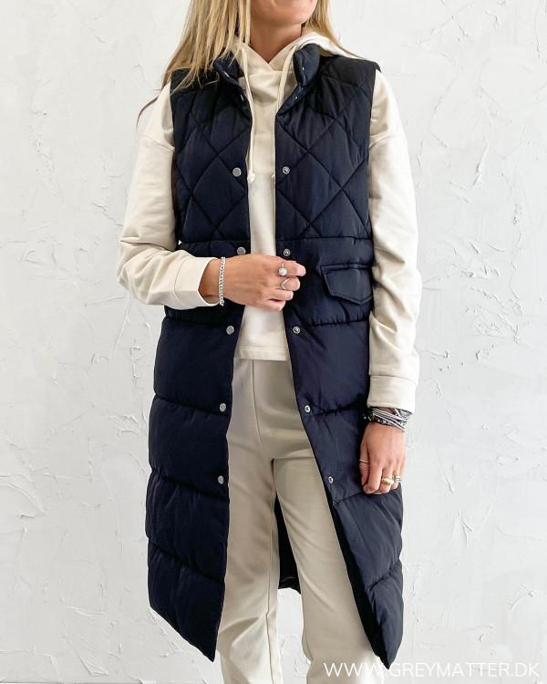 Sort vest med quilt fra Only