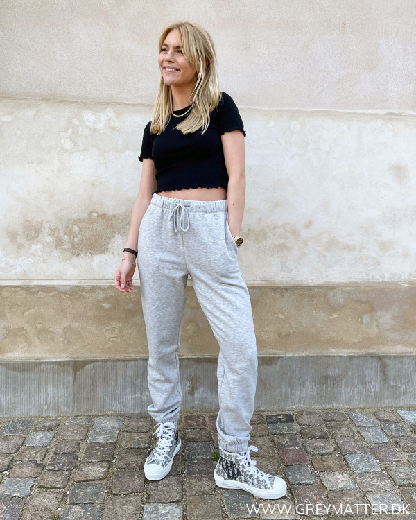 Fin sommerbluse fra Pieces i sort rib