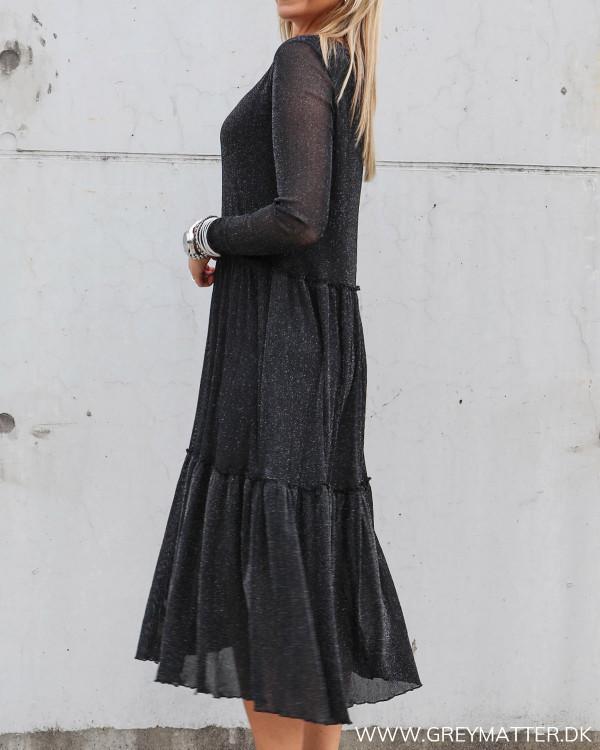 Smuk kjole fra Vila med glimmer