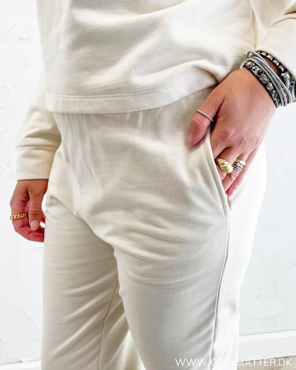 Lyse bukser til damer i comfy stil