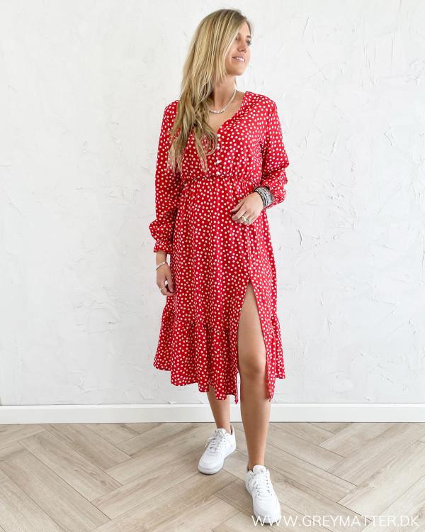 Rød kjole med print og slids fra Grey Matter