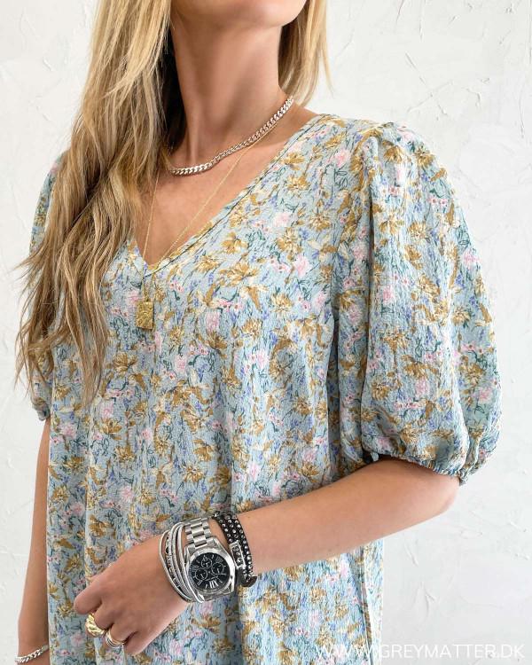 Løs kjole fra Vila med print