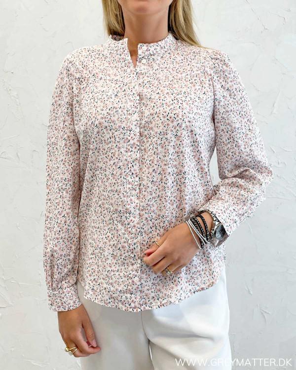 Skjorte fra Pieces med blomsterprint