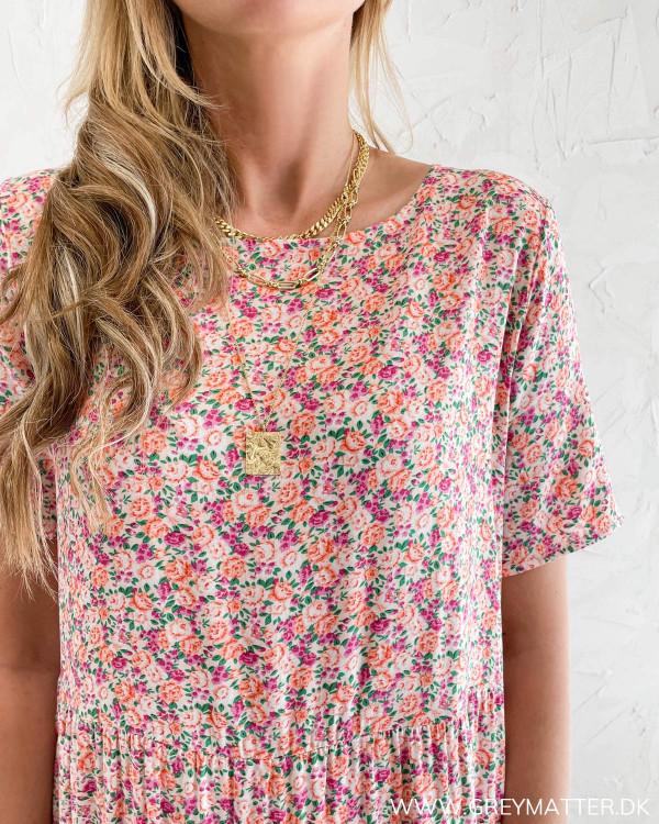 Blomsterprint kjole fra Vila