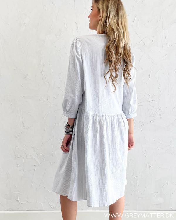 Kjole med striber i skøn kvalitet