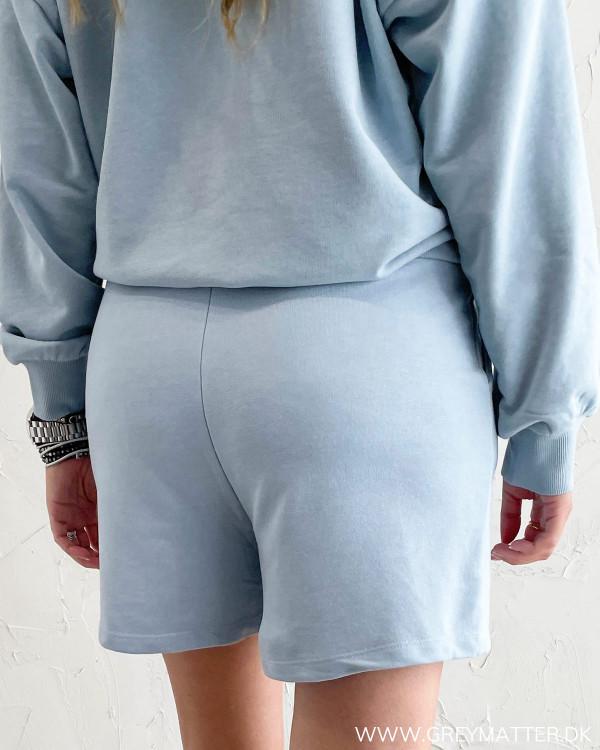 Dame shorts i casual stil