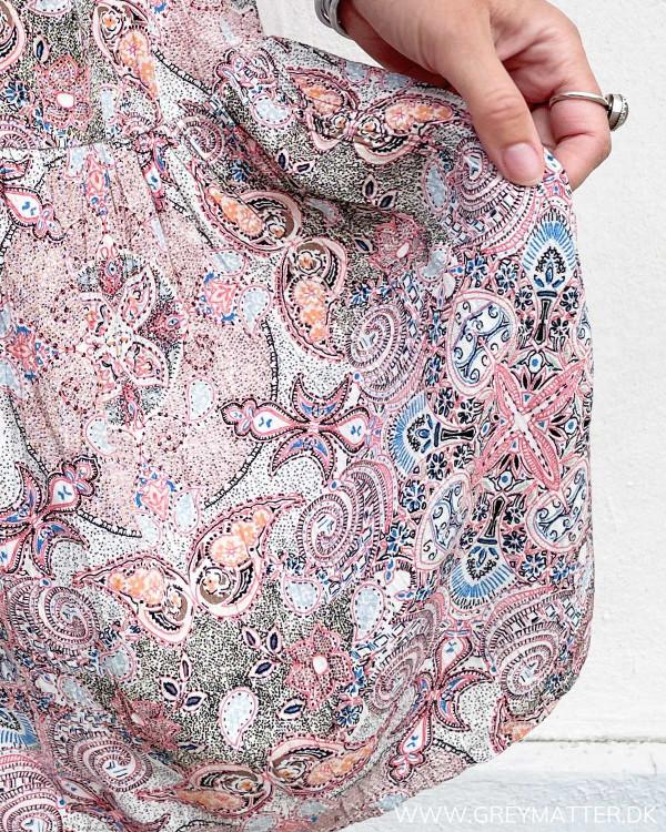 Strop kjole med print fra Vila