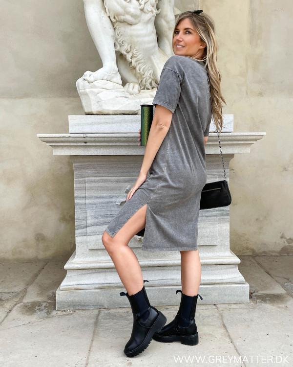 Basis t-shirt kjole fra Grey Matter