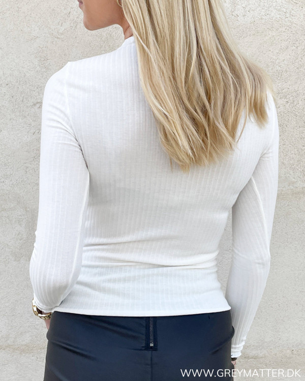 Basic langærmet bluse fra Only