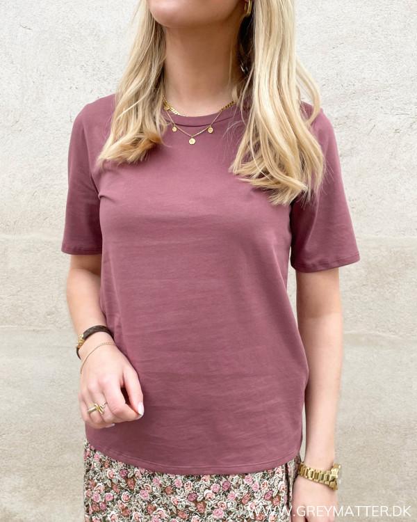 T-shirt i smuk farve til damer