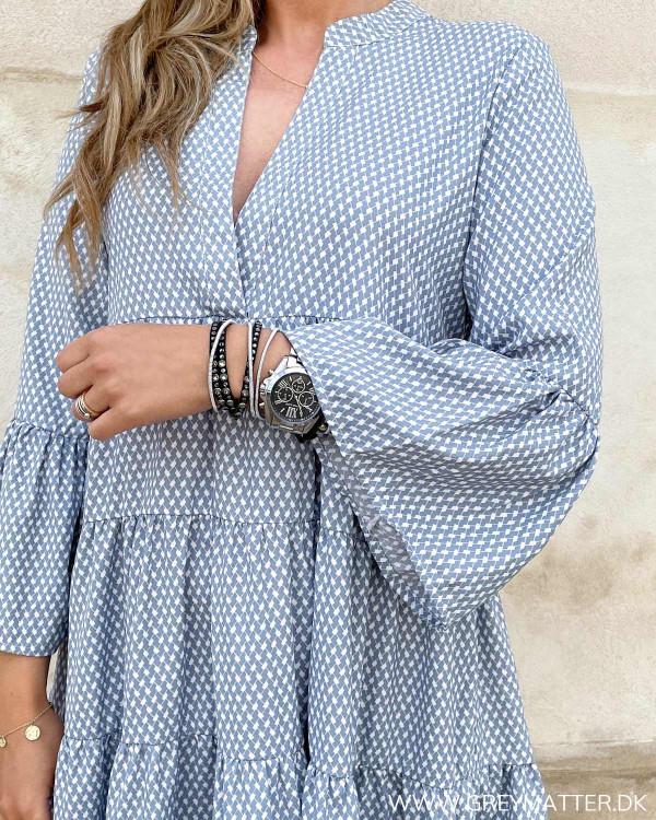 Tunika kjole med vidde i ærmerne