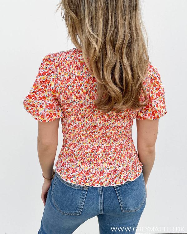 Bluse til damer med rødt print