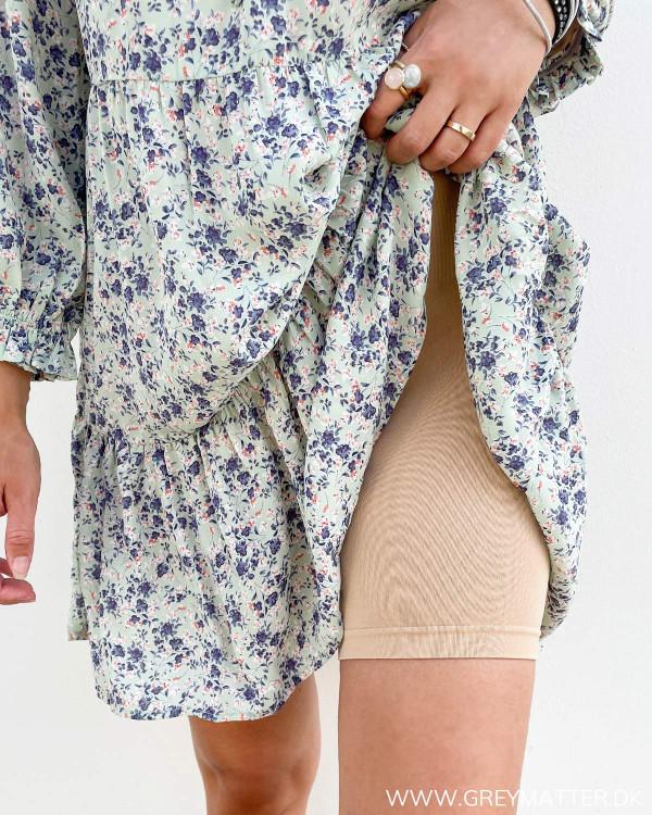Hudfarvet shorts til under kjoler og mini skirts