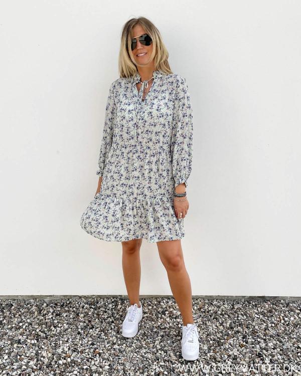 Kjoler med print og detaljer fra Only