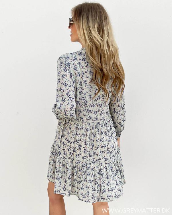 Kjole fra Only med blomsterprint