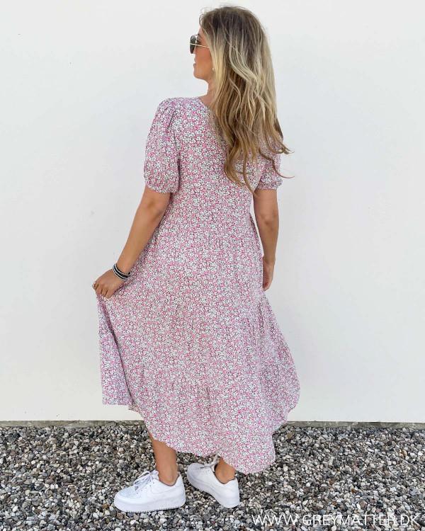 Kjole fra Pieces med lyserødt print