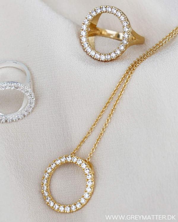 Halskæde med zirkoner i belagt guld
