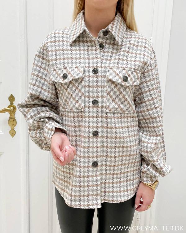 Ternet skjorte jakke fra modemærket Vila