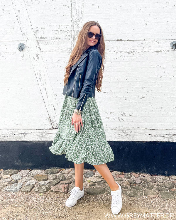 Pieces kjole stylet med Vila læderjakke
