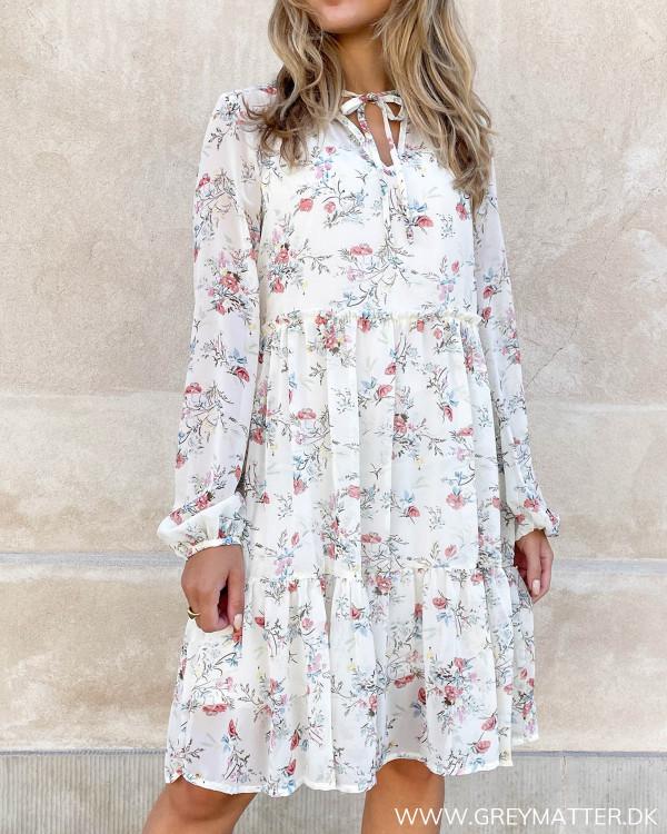 Blomsterprintet kjole fra Vila