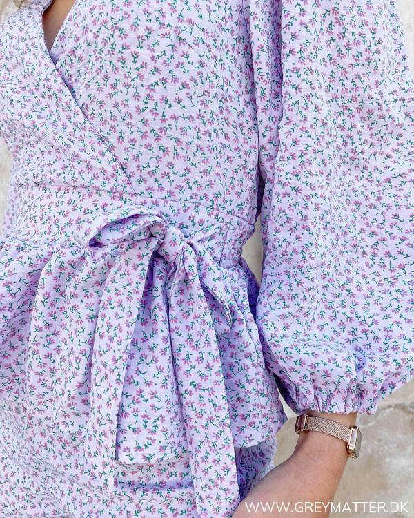 Blomsterprintet bluse til damer