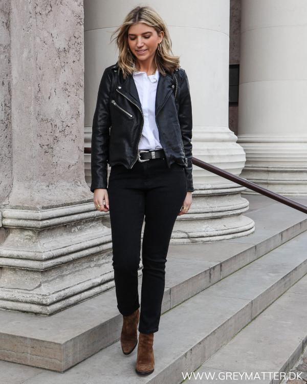 Sorte cropped jeans til damer