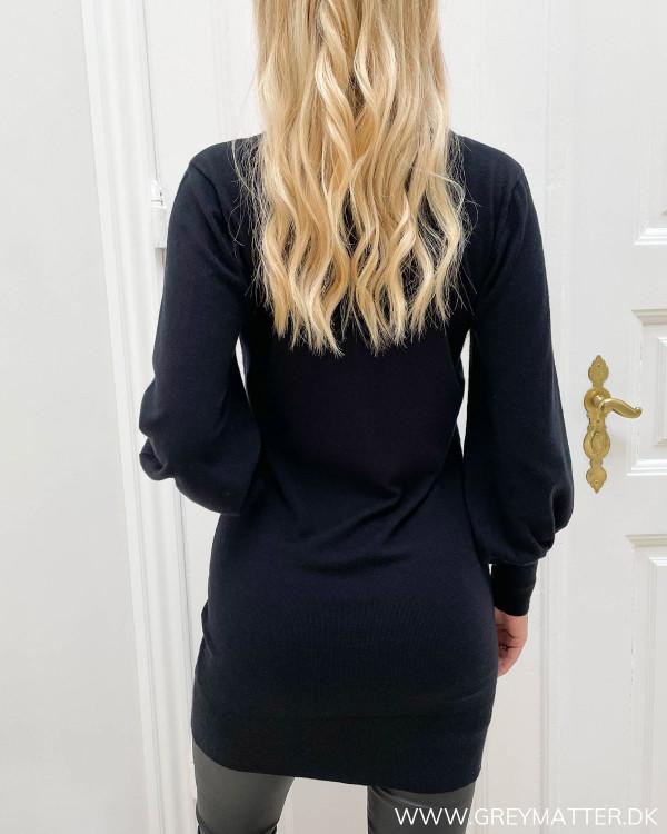 Kjoler i enkelt design til damer