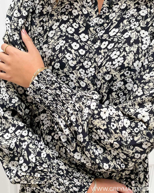 Midi dress fra Vila med blomstermotiver