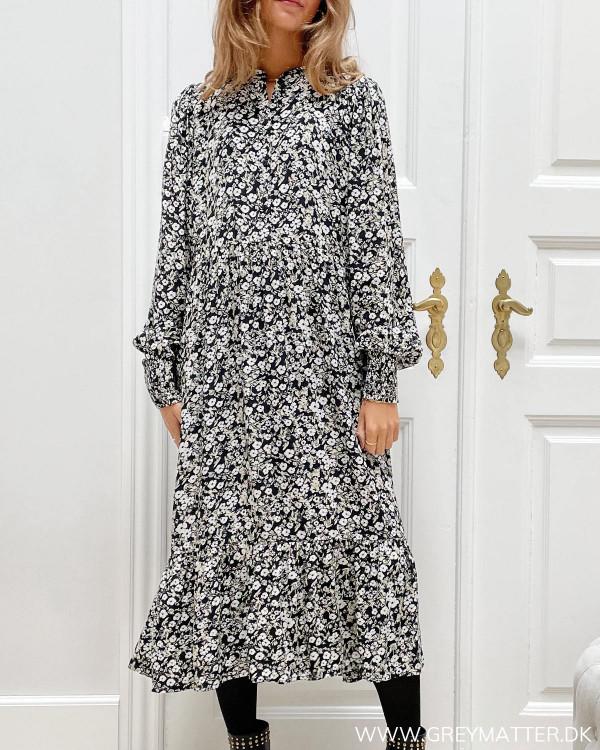 Viskose kjole fra modemærket Vila til damer
