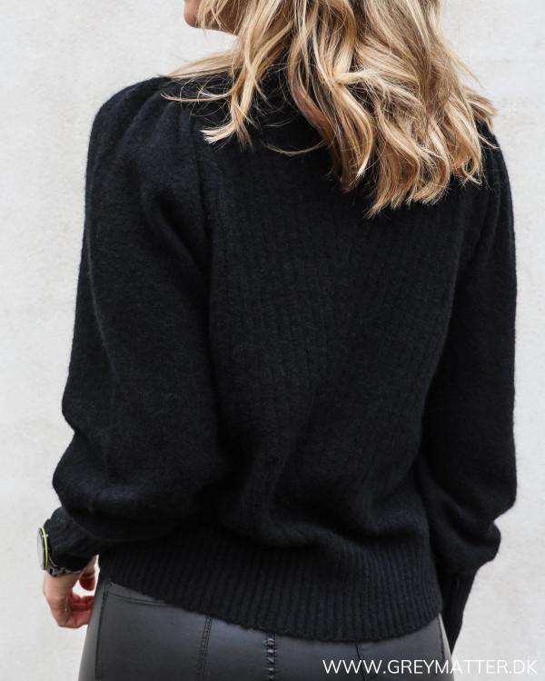 Kelsey bluse fra Neo Noir i sort set bagfra