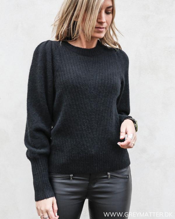 Kelsey bluse fra Neo Noir i sort set forfra