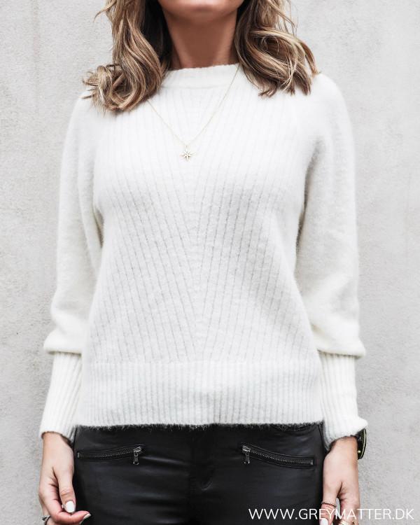 Kelsey bluse i off-white fra Neo Noir set forfra