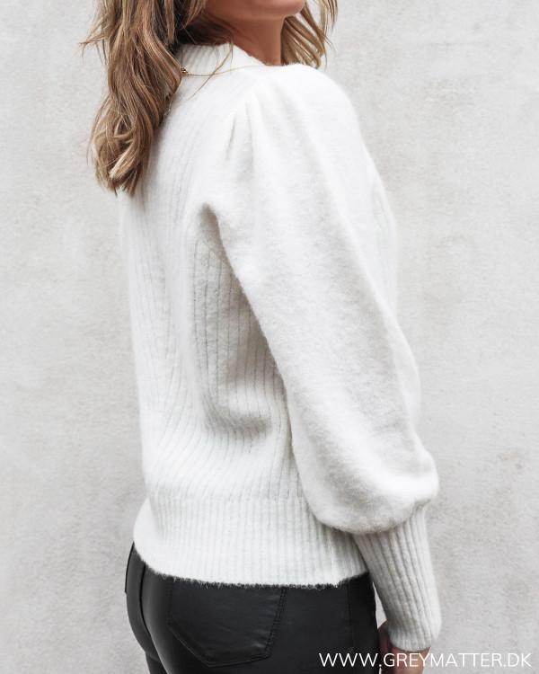 Kelsey bluse fra Neo Noir i off-white set skråt bagfra