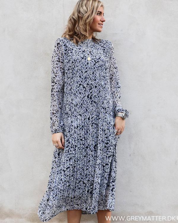 Vimoltan Navy Flower Midi Dress