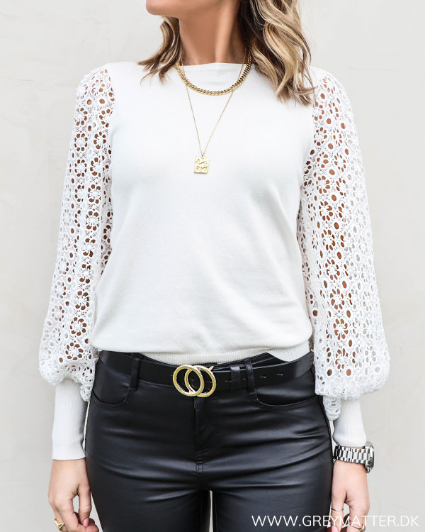 Off-White Embroidery Blouse
