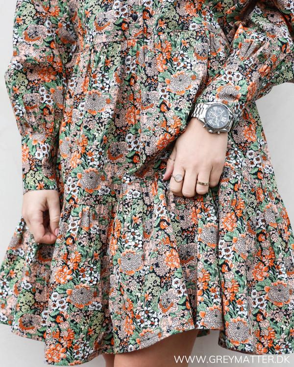 Kjole med smukt print fra YAS