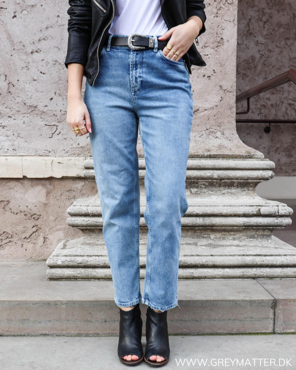 Lækre denim jeans fra Pieces set forfra