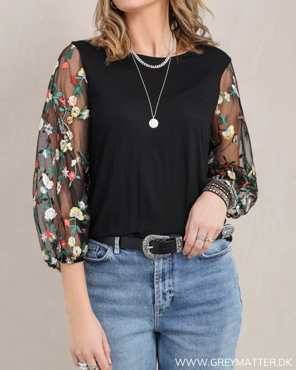 Trendy bluse fra Pieces med dekorative ærmer