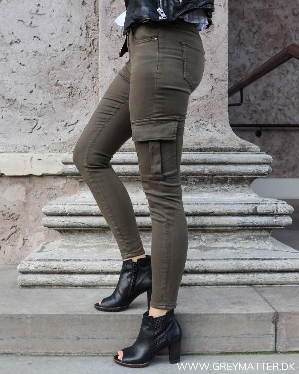 Cargo bukser til damer i khaki grøn