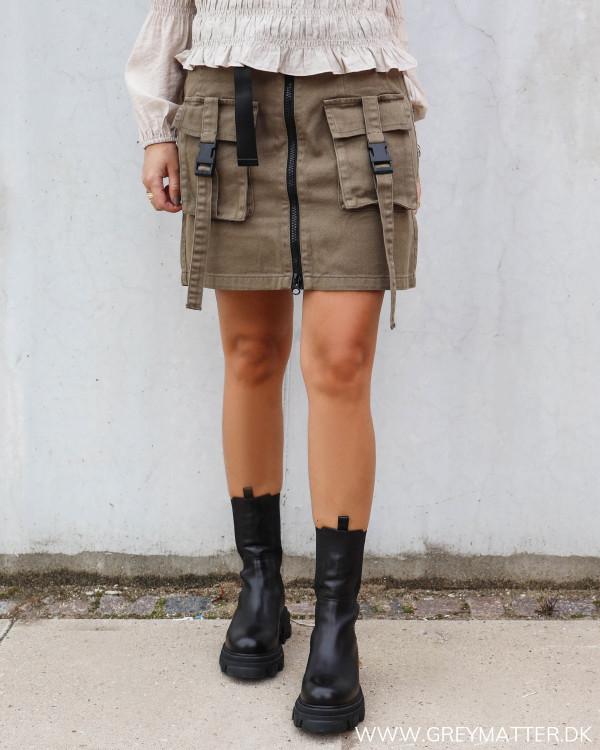 Rå nederdel fra Pieces med Cargo detaljer